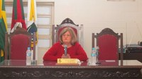 Lélia Müller eleita Presidente do Legislativo assume o Executivo Municipal